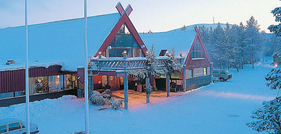 finland_lapland_yllas_akas-hotel-cabins_exterior.jpg